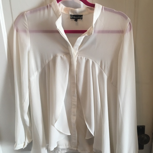 5d71dffb Tops | Boutique White Flowy Blouse | Poshmark